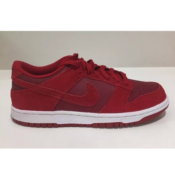 official photos cc77f 2093e NIKE DUNK LOW BOYS YOUTH BASKETBALL SHOES